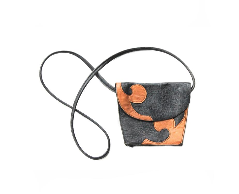 AD 266 Mini Shoulder Bag (slide)